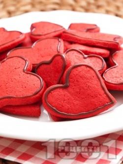 Орехови сладки с форма на сърца за десерт за Свети Валентин - снимка на рецептата